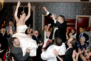Bride and Groom having fun | ©Sherry Clewell Photography